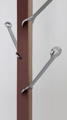 A faire pour l'atelier bureau de Kraspeck PORTE-MANTEAUX-1B-Design-by-Pierre-LOTA