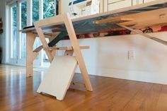 tipps wandtisch Small Space Living, Small Spaces, Living Spaces, Table And Chair Sets, A Table, Smart Table, Dorm Room Organization, Birch Ply, Folded Up