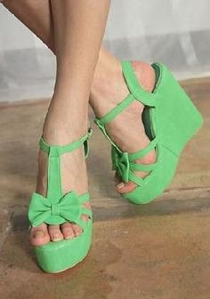 Green Wedges Sandals Shoes w/ Bow ~ Shipping Inlcuded
