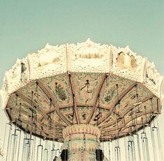 i was riding a carousel in a park in paris x Fair Rides, Carnival Rides, Fun Fair, Vintage Love, Vintage Circus, Pretty Pictures, Retro, Dream Cars, Amazing