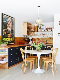 Kitchen Splashback tiles from Olde English Tiles in Richmond, and vintage Thonet dining chairs. Justin Kennedy and Sarah Collins — The Design Files Kitchen Dinning, Kitchen Decor, Kitchen Design, Kitchen Table Small Space, Kitchen Nook, Dining Room, Mesa Tulip, Le Logis, Bentwood Chairs