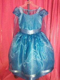 Un vestidito hermoso que hace sentir a las niñas como princesas