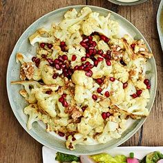 Roasted Cauliflower with Pomegranate Seeds Super Healthy Recipes, Easy Recipes, Best Thanksgiving Side Dishes, Pomegranate Seeds, Healthy Eating, Healthy Foods, Roasted Cauliflower, Quick Easy Meals, Vegetables