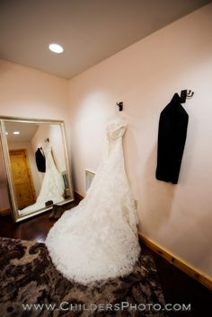 Canopy Creek Farm, Childers Photography, Country Chic, Reception Barn, Miamisburg, Ohio,Wedding, Wedding Photography, Detail, Wedding Dress