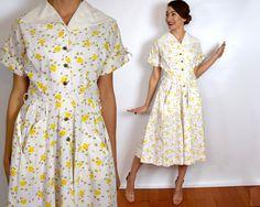 Vintage 40s Bumble Bee Print Dress | White Novelty Print Dress | Cotton Day Dress Medium