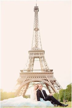 Couple photography in Paris on French Wedding Style © – Emm and Clau Photography