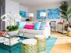 The bright suite includes a gas-burning fireplace in the living room and chic bar necessities. Outside, travelers have access to four Instagram-worthy Lilly Pulitzer x Martone bikes.