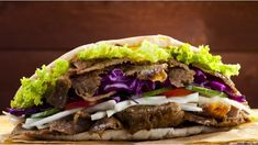Fakeaway slow cooker doner kebab A healthier version of a takeaway doner kebab, which can be high in fat – try this lower fat, but very tasty alternative… Slow Cooker Recipes, Cooking Recipes, Healthy Recipes, Netmums Recipes, Budget Recipes, Healthy Dinners, Quick Meals, Slow Cooking, Easy Cooking