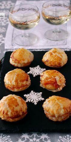 Visita: https://clairessugar.blogspot.com.es/ para recetas paso a paso con vídeos divertidos y fáciles!  ^^ Bocaditos de brie con mermelada de tomate. Receta de aperitivo de Navida