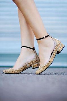 33 diseños de zapatos para quinceañeras http://ideasparamisquince.com/33-disenos-zapatos-quinceaneras/