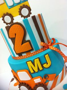 Construction themed Birthday cake Tractor Birthday, Baby 1st Birthday, 4th Birthday Parties, Birthday Ideas, Birthday Cake Models, Themed Birthday Cakes, Construction Cakes, Construction Birthday Parties, Digger Cake