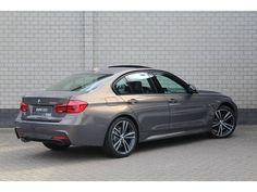 Nu direct uit voorraad leverbaar deze BMW 3-SERIE 320i Sedan High Executive M-Spor