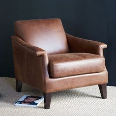 Superbe The Writeru0027s Leather Club Chair Offers The Comfort Of A Club Chair With A  Smaller Footprint