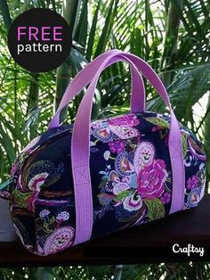 Sew your own travel bag. This free sewing pattern is perfect beginner project. Sew your own travel bag. This free sewing pattern is perfect beginner project. Sewing Basics, Sewing Hacks, Sewing Tutorials, Sewing Tips, Sewing Ideas, Bag Tutorials, Diy And Crafts Sewing, Diy Crafts, Sewing Patterns Free