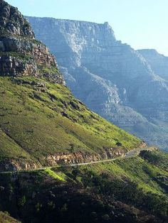 Tafelberg Road traverses the front of Table Mountain outside of Cape Town, South Africa Paises Da Africa, Out Of Africa, Travel Around The World, Around The Worlds, South Afrika, Namibia, Le Cap, Cape Town South Africa, Wale