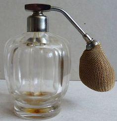 Superbe-flacon-a-parfum-vaporisateur-en-cristal-de-BACCARAT-vers-1930-Art-Deco
