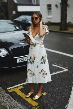 Must-Have: The Cold-Shoulder Floral Print Dress (Le Fashion) Look Fashion, Street Fashion, Net Fashion, Cheap Fashion, Floral Maxi Dress, Dress Up, Floral Outfits, Wrap Dress, Topshop