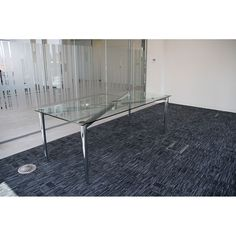Stylish Glass Boardroom Tables. Glass Tables