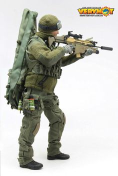 onesixthscalepictures: Very Hot Mercenary GREEN version : Latest product news for 1/6 scale figures (12 inch collectibles) from Sideshows Collectibles, Hot Toys, Medicom, TTL, Triad Toys, Enterbay and others.