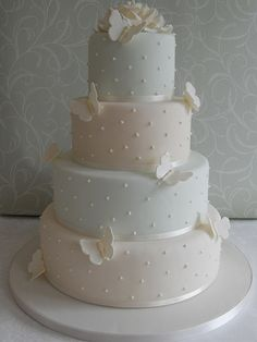 Mint Candy Butterfly by Cotton and Crumbs. This demonstrates the Z pattern of cake decoration.