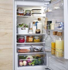 IKEA 365+ voorraaddoos | IKEAcatalogus nieuw 2018 IKEA IKEAnl IKEAnederland deksel voedselopergers koken koelkast opbergen bewaren restjes VARIERA bak FÖRTROLIG schaal met deksel koelkastinrichting