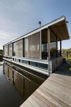 Woonboot Aalsmeer '10 by Kodde Architecten