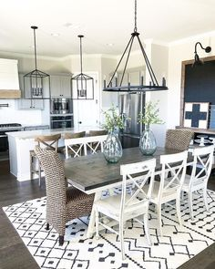 Interior Design & Hospitality Design Industry-Tips Farmhouse Dining Room design Hospitality IndustryTips interior Farmhouse Dining Room Table, Dining Room Table Decor, Dining Room Design, Dining Room In Kitchen, Dining Area, Kitchen Table Light, White Dinning Table, Dinning Room Ideas, Rug Under Kitchen Table