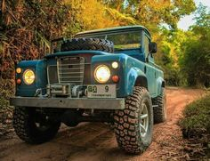 """""""Mi piace"""": 1,160, commenti: 18 - Land Rover Series Pics (@land_rover_series_pics) su Instagram: """"#forest #explore #adventure #offroad #4x4 #landrover  #landroverseries #picoftheday #photooftheday…"""""""
