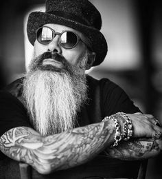 "1,260 mentions J'aime, 8 commentaires - Вєαrdѕ Αrє Thє Nєw Ѕíх Pαck! (@beardstyler) sur Instagram : ""Rαtє thíѕ Вєαrdѕtчlє 1 - 10 —— TAG @Beardstyler to get featured. Follow us @Beardstyler…"""