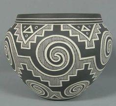 2538: Acoma Sgraffito Pottery Signed Aragon : Lot 2538