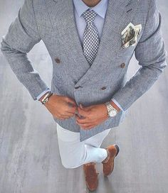 Gentleman Mode, Gentleman Style, Suit Up, Suit And Tie, Mens Fashion Suits, Mens Suits, Fashion Menswear, Style Costume Homme, Mode Costume