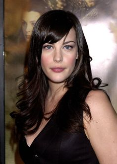Liv Tyler at event of The Lord of the Rings: The Fellowship of the Ring Liv Tyler Hair, Liv Tyler 90s, First Ladies, Pale Skin Makeup, Hair Makeup, She Walks In Beauty, Long Layered Hair, Face Shapes, Beautiful Celebrities