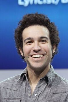 WHAT'S HAPPENED WITH HIS HAIR!?<< okay but why is Pete Wentz under the Mark ruffalo tag on Pinterest?