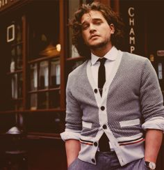 Obsessed with Kit Harington right now. Maybe because Jon Snow is my favorite book character but Kit Harington isn't too bad, either. John Snow, Kit Harrington, Gorgeous Men, Beautiful People, Mode Shoes, Gq Magazine, Hommes Sexy, Raining Men, Mode Style