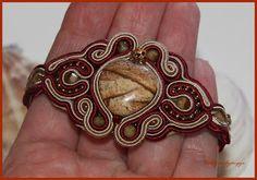 Őszi romantika - sujtás karkötő Soutache Jewelry, Jewellery, Bracelets, Rings, Floral, Flowers, Crafts, Ideas, Fashion