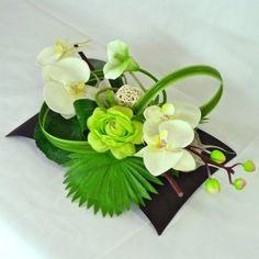 MERIGNAC Composición arreglo de flores artificiales .(45 e)