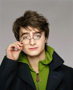 7389e53493b Celebrity Portraits by Martin Schoeller -- Does it hurt that this one is  Daniel Radcliffe  Does it matter if the site isn t in English and I can t  ...