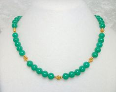 Green Glass Bead Necklace with Gold Flowers - Vintage 70s