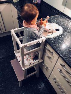 16 ingenious Ikea hacks that make every children& room more beautiful and .- 16 geniale Ikea-Hacks, die jedes Kinderzimmer schöner und gemütlicher machen 16 ingenious Ikea hacks that make every children& room more beautiful and cozy - Parents Room, Kids Room, Montessori, Toddler And Baby Room, Ikea Hacks, Learning Tower, Kids Learning, Baby Zimmer, Room Ideas Bedroom