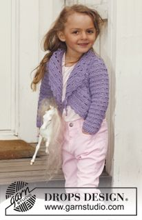 """DROPS Children 24-6 - Crochet DROPS circle jacket with lace pattern and long sleeves in """"Paris"""". Size 3 - 12 years. - Free pattern by DROPS Design"""
