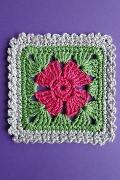 [Free Pattern] Adorable Four Petal Flower Square With Three Edgings