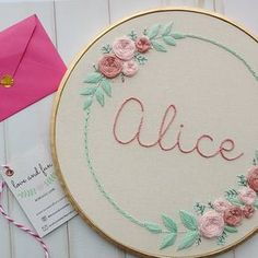 """""""Mi piace"""": 140, commenti: 17 - Love and Fun - Bordado Livre (@loveandfunatelier) su Instagram: """"Alice ❤ . . . #alice #lovefunatelier #bordadolivre #bordadoamao #bordado #embroideryhoop #feitoamao"""""""