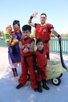 The Crayton Family Cosplay Dragon Ball Dragon Ball Z Goku Goten  sc 1 st  Pinterest & Coolest Dragon Ball Z Costumes | Halloween Costume Ideas ...