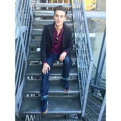 """""""Look who popped by the agency - Hi Robbie Wadge! @wadge11 ✌️ #streetstyle #m1men #insidemodels1 #models1"""""""