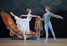 awesomesugarplumfairy: Uliana Lopatkina and Andrey Ermakov in A Midsummer Night's Dream - Mariinsky Ballet Male Ballet Dancers, Ballet Boys, Ballet Class, Dance All Day, Kinds Of Dance, Just Dance, Ballet Costumes, Dance Costumes, Ballet Photos