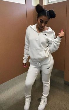 outfit for school winter / outfit for school . outfit for school winter . outfit for school for summer . outfit for school casual . outfit for school black girl . outfit for school women . outfit for school winter lazy day . outfit for school leggings Winter Outfits For Teen Girls, Cute Lazy Outfits, Swag Outfits For Girls, Cute Outfits For School, Teenage Girl Outfits, Cute Swag Outfits, Chill Outfits, Teenager Outfits, Teen Fashion Outfits