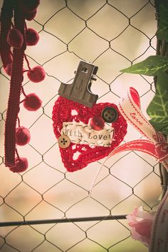 Valentines Day Window Decoration by kbo, via Flickr