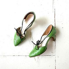 1957 spring green Capezio d'Orsay heels with bows (Small Earth Vintage) Tags: leather women shoes pumps 1950s 1957 heels 50s bows capezio springgreen vintagefashion vintageaccessories smallearthvintage dorsayheels