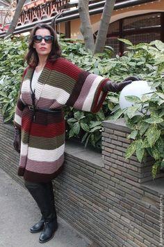 Crochet Poncho Patterns, Crochet Cardigan, Knit Or Crochet, Crochet Slipper Boots, Crochet Slippers, Baby Cardigan, Knit Fashion, Sweater Coats, Long Sweaters