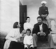 Anton Chekhov with Maxim Gorky, his nephew, his sister in law and his brother Ivan. Maxim Gorky, Anton Chekhov, Russian Men, Russian Literature, Story Writer, Writers And Poets, Portraits, Silver Age, Old Photos